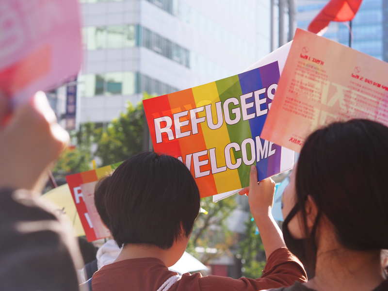 LEARN: Okemos Presbyterian leaders among those celebrating executive orders for refugee resettlement